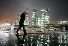 Photo of Giá dầu giảm khi thị trường lo ngại về sản lượng và đà phục hồi kinh tế